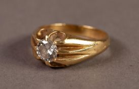 GENT'S 18ct GOLD RING WITH A ROUND BRILLIANT CUT SOLITAIRE DIAMOND, in a six claw setting,