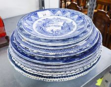 A COLLECTION OF MAINLY BLUE AND WHITE RACK PLATES (13)
