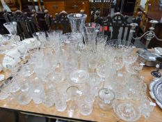 SIX VARIOUS CUT AND PLAIN GLASS VASES, A CUT GLASS FRUIT BOWL AND MISC DRINKING GLASSES VARIOUS