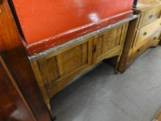 ARTS & CRAFTS INLAID OAK CUPBOARD WASHSTAND, WITH MARBLE TOP AND THE MATCHING CHEST OF TWO SHORT AND