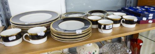 A SELECTION OF 'COALPORT' TEA AND DINNER WARES, TO INCLUDE; DINNER PLATES, TEA CUPS AND SAUCERS,