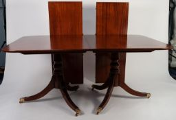 MODERN GEORGIAN STYLE MAHOGANY TWIN PEDESTAL DINING TABLE WITH TWO ADDITIONAL LEAVES AND SET OF