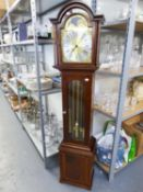 A MODERN MAHOGANY GRANDMOTHER CLOCK WITH WEIGHT DRIVEN MOVEMENT, GLASS PANELLED DOOR, ARCHED BRASS