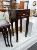 A MAHOGANY SMALL RECTANGULAR HALL TABLE WITH A DRAWER, ON FOUR STRAIGHT LEGS, 14? WIDE
