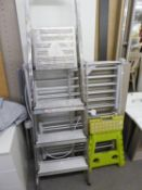 ?DRY SOON? ELECTRIC AIRING RACK, FOLD-FLAT WITH FABRIC BAG; A FOUR TIER SET OF PLATFORM STEPS; A
