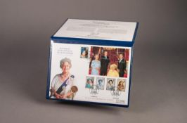 QUEEN MOTHER GOLD SOVEREIGN 2002 MEMORIAL COIN COVER with sovereign set into first day cover,