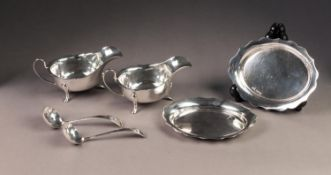 PAIR OF SILVER SAUCE BOATS WITH STANDS AND LADLES BY EDWARD VINER, with cyma borders, the sauce