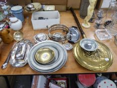 VARIOUS PIECES OF ELECTROPLATE AND BRASS ITEMS TO INCLUDE; SILVER PLATE LADLE, BUTTER DISH AND
