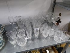 A GOOD SELECTION OF CRYSTAL AND OTHER DRINKING GLASSES, TO INCLUDE; A SET OF SIX TUMBLERS, FOUR SETS
