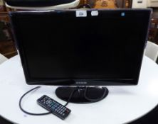 SAMSUNG FLAT SCREEN SMALL TELEVISION WITH REMOTE CONTROL