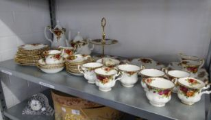 ROYAL ALBERT OLD COUNTRY ROSES PATTERN TEA AND COFFEE SERVICE, COMPRISING 6 TEACUPS, 6 COFFEE