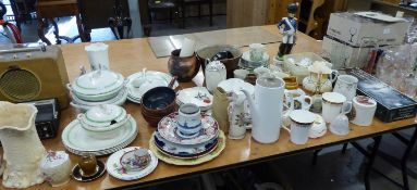 LARGE COLLECTION OF DECORATIVE AND OTHER POTTERY AND CHINA  INCLUDING; MALING LUSTRE POTTERY