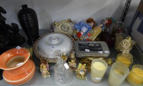 MIXED LOT TO INCLUDE; RESIN FIGURES, GLASS BELL, VASES, MIRRORS, CLOCK WITH RESIN FIGURES ETC.....