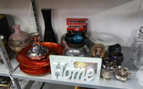 A QUANTITY OF MODERN HOUSEHOLD ORNAMENTS TO INCLUDE; COLOURED GLASS VASES AND BOWLS, METAL CANDLE
