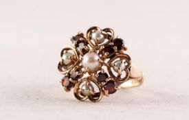 9ct GOLD, GARNET ADN PEARL CIRCULAR CLUSTER RING set wiht a centre pearl and surround of four