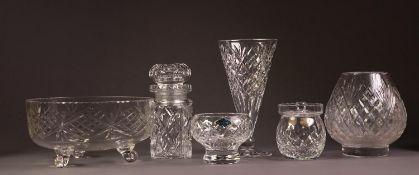 GOOD QUALITY CUT GLASS FRUIT BOWL, with strawberry diamond and sprig cut decoration, similarly cut