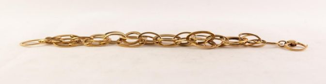 ITALIAN 9ct GOLD CHAIN BRACELET with multiple large plain oval links, oval wire pattern links and