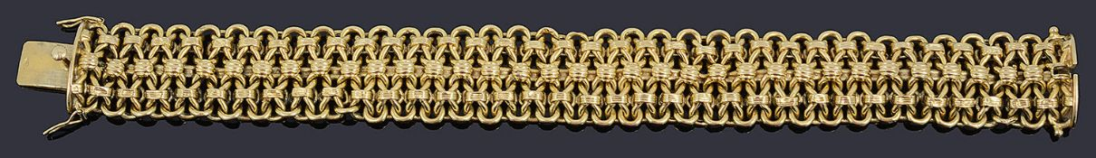 An attractive Continental 18ct articulated bracelet