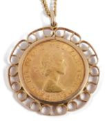 An Elizabeth II full sovereign pendant and chain