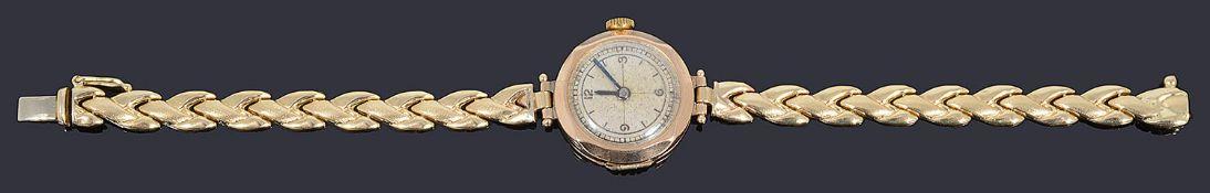 A 9ct gold ladies wristwatch