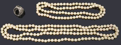 Two single row cultured pearl necklaces,