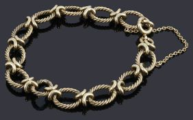 A 9ct gold hoop and kiss link bracelet