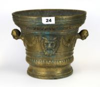 A large early continental bronze mortar, H. 21cm, D. 25cm.
