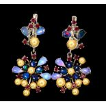 A pair of 925 silver drop earrings set with cream pearls, black opals, rubies and opals, L. 3.5cm.