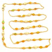 A 925 silver gilt necklace set with cabochon cut opals, L. 90cm.