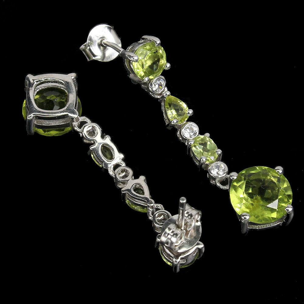 A pair of 925 silver drop earrings set with peridots and white stones, L. 3.2cm. - Image 2 of 2