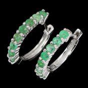 A pair of 925 silver emerald set hoop earrings, Dia. 1.5cm.