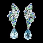 A pair of 925 silver drop earrings set with pear cut blue topaz and other stones, L. 2.5cm.