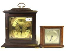 An oak cased Elliot mantel clock together with a further mahogany cased mantel clock, largest H.