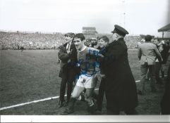 Derek Temple Everton Signed 12 x 8 inch football photo. This item is from the stock of www.