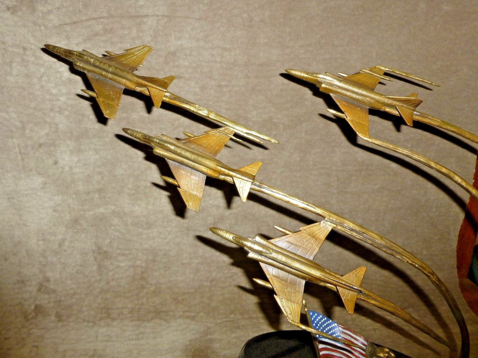 Flight of Remembrance Bronze Sculpture Franklin Mint Ltd Edition By Jim Dietz. This is a superb, - Image 2 of 2