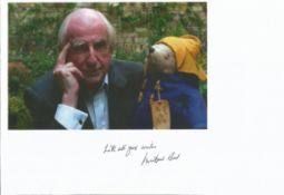 Michael Bond Paddington Bear signed colour copy of 6 x 4 photo and note