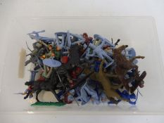 A small tray of mainly Airfix Waterloo plastic figures.