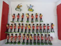 32 Britains Eyes Right ceremonial Bandsman, generally in good condition.