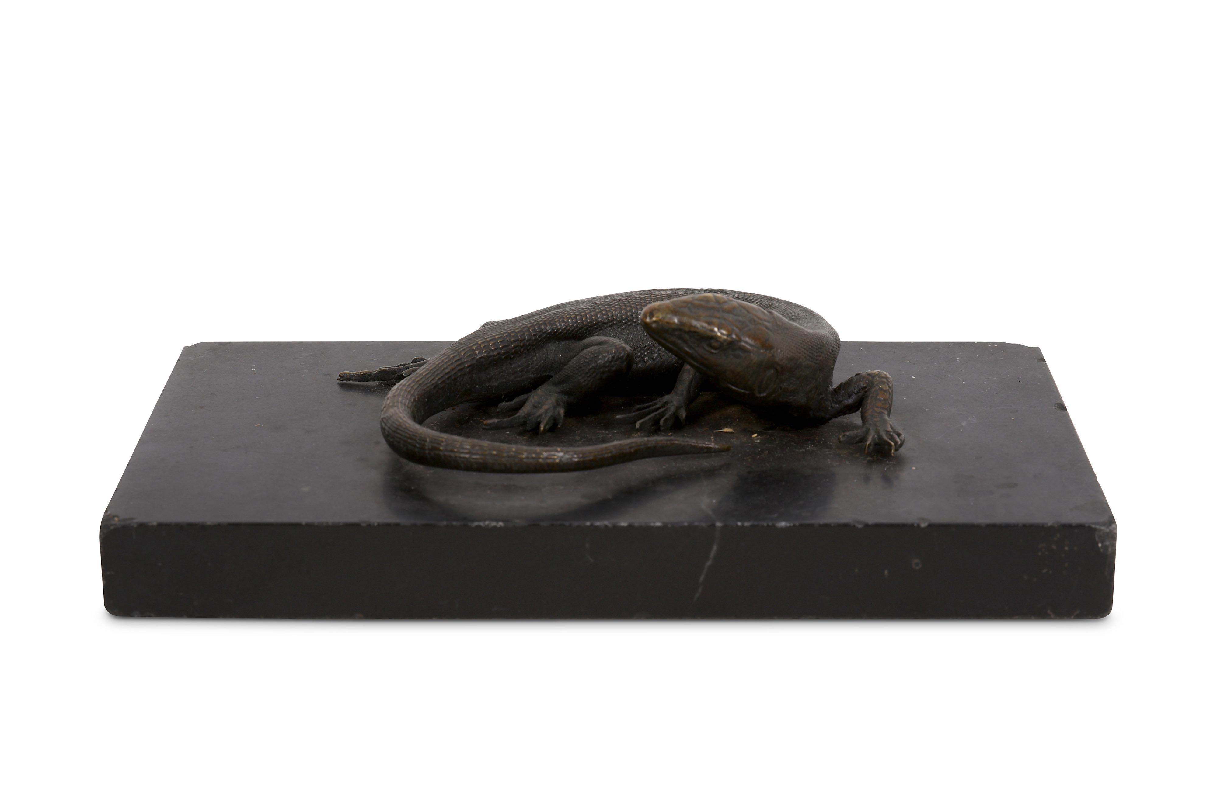 Lot 6 - A 19TH CENTURY BRONZE MODEL OF A LIZARD, POSSIBLY A LIFE-CAST
