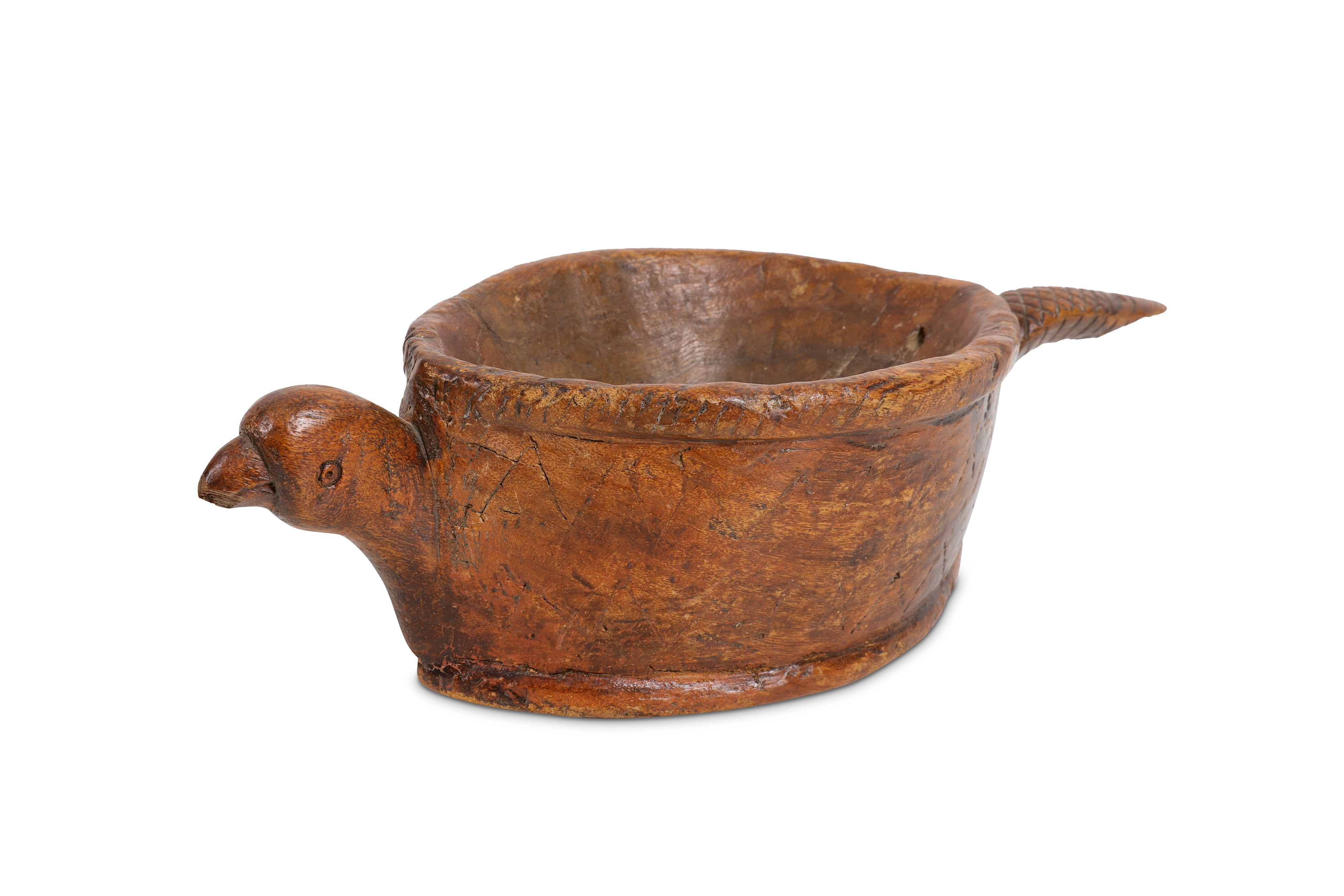 Lot 19 - TREEN: A 19TH CENTURY CONTINENTAL (POSSIBLY SCANDINAVIAN) DRINKING VESSEL IN THE FORM OF AN ARMADILL