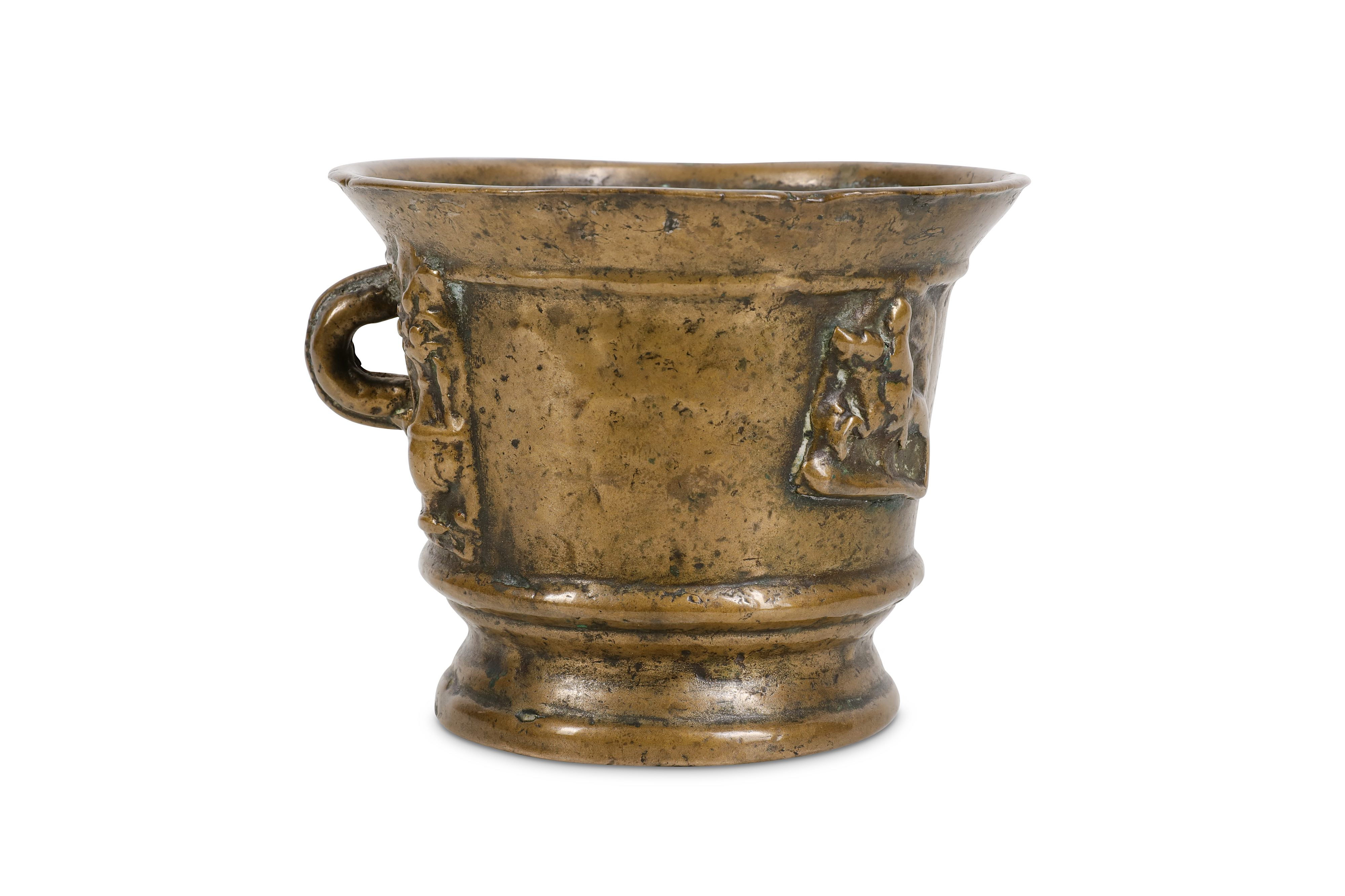 Lot 23 - AN EARLY BRONZE MORTAR, LATER ENGRAVED 'MAIRI R.Y.S'