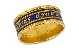 A COMMEMORATIVE ENAMEL AND GOLD LOVE TOKEN RING