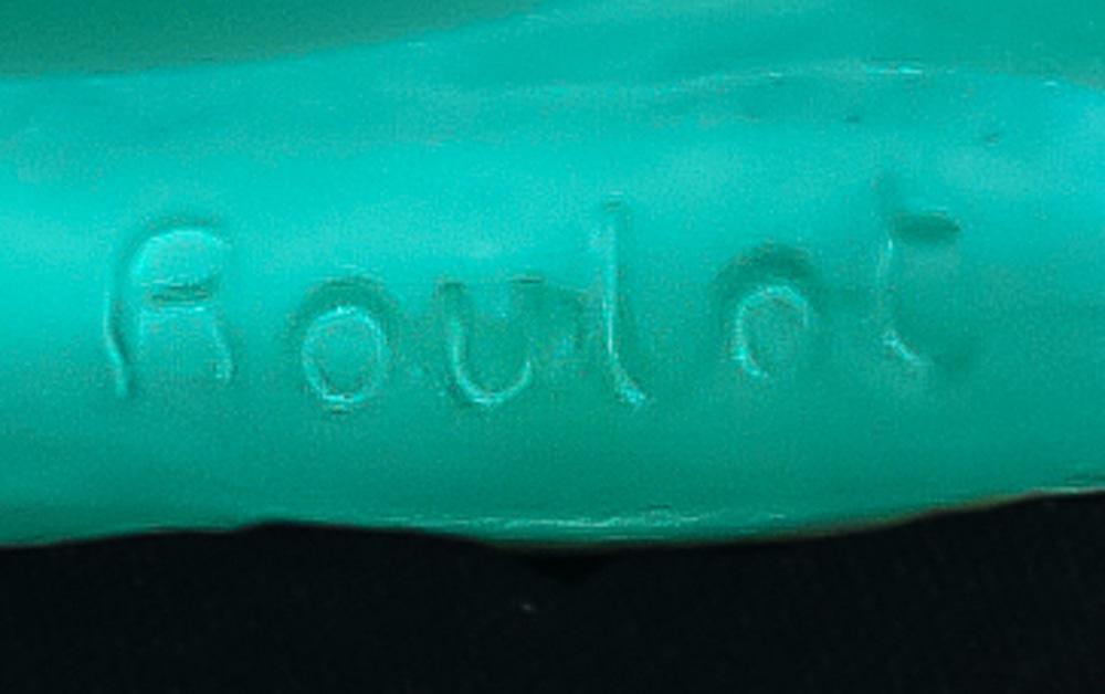 Lot 2036 - A Pierre Roulot for Daum France limited edition pate de verre V'nus allong'e sculpture
