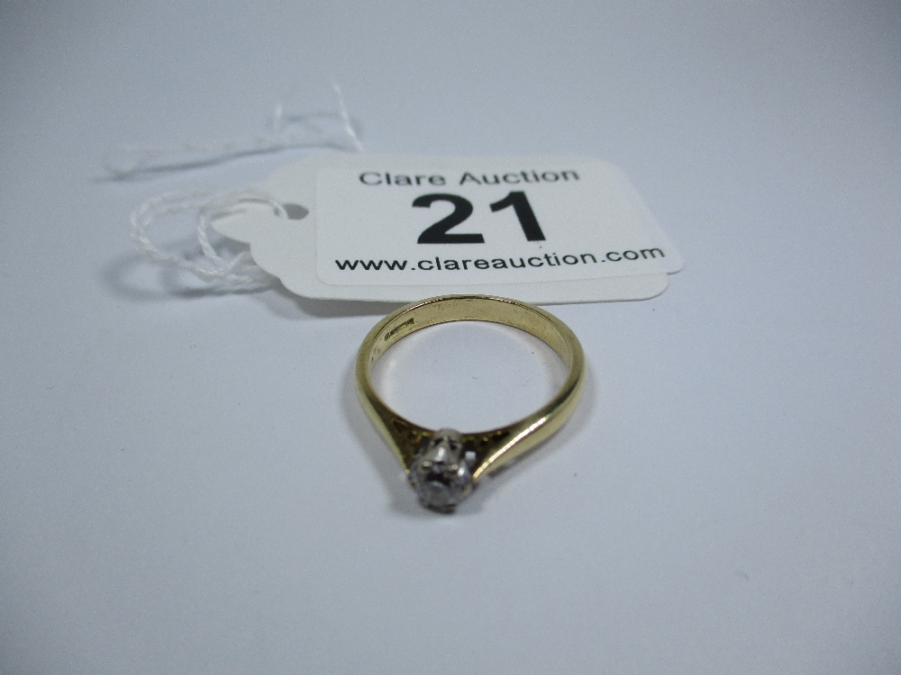 Lot 21 - An 18ct gold diamond solitaire ring, approx finger size M