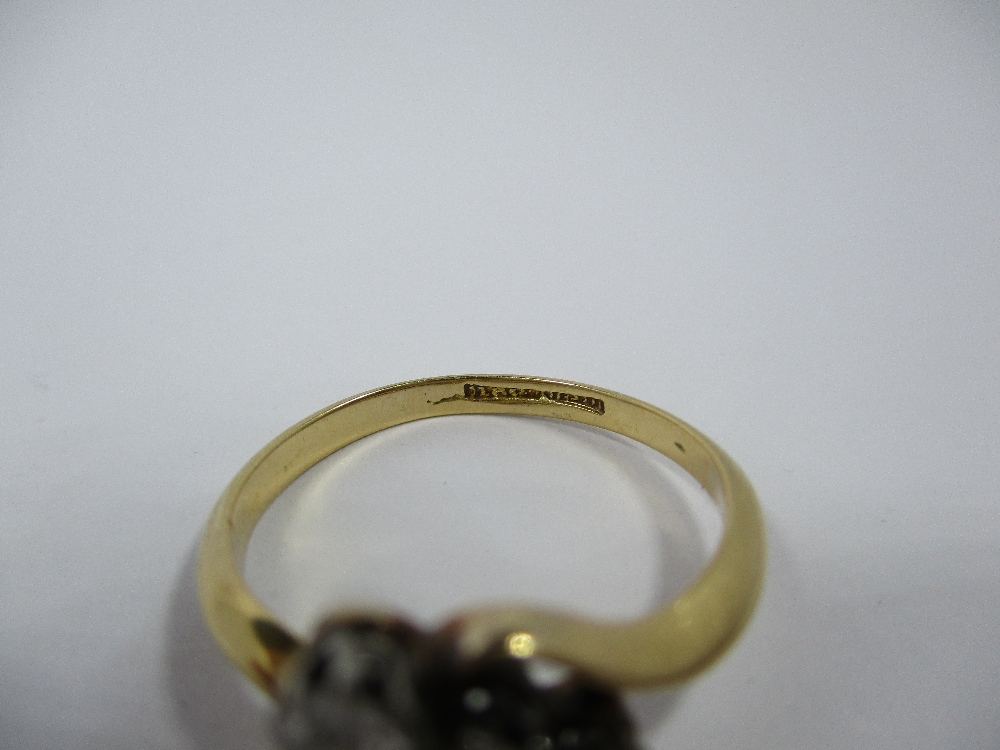 Lot 9 - An antique gold ring set with 3 diamonds, approx finger size L