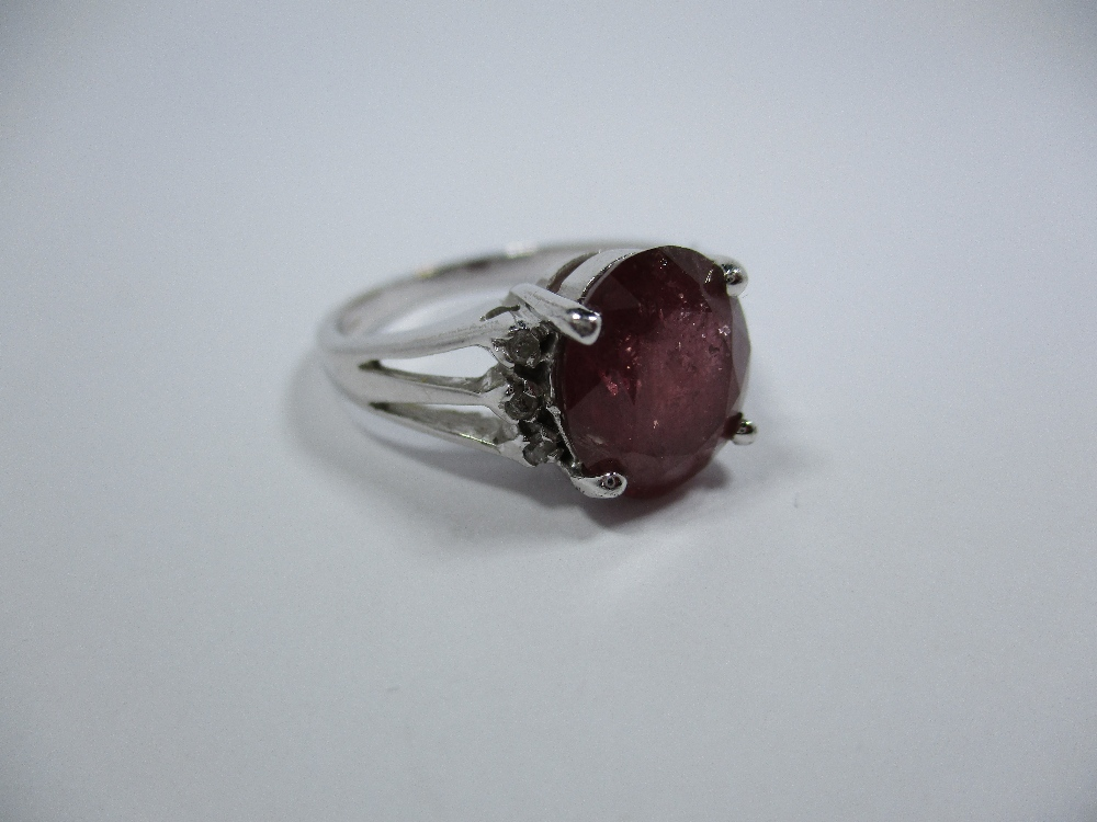 Lot 4 - A 9ct white gold dress ring, approx finger size N1/2
