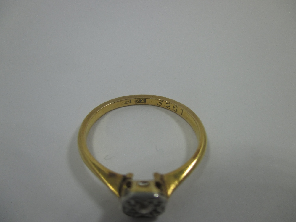 Lot 11 - An antique 22ct gold and diamond ring, approx finger size 'L'