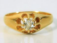 An 18ct gold ring set with approx. 0.33ct old cut