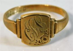 A 9ct gold signet ring, initialed 2.2g size N/O