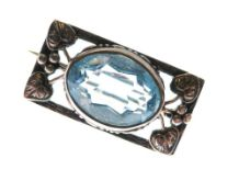 Art Nouveau-style unmarked white metal bar brooch set large central aquamarine-coloured faceted oval